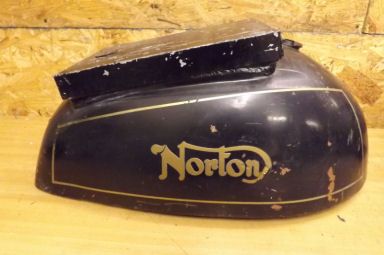 Norton Commando Long Range Interpol petrol tank