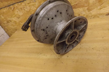 Wasp rear hub and brakeplate